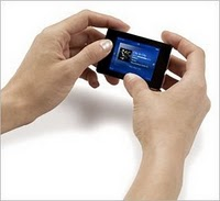 iriver mp3 in hands